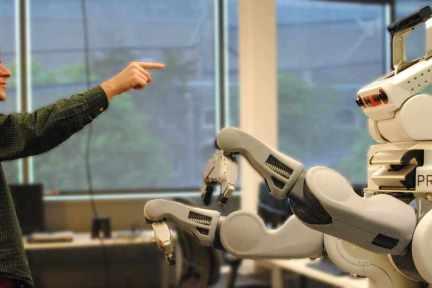 众包机器人训练,让机器人学得更快更聪明