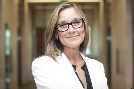 Burberry CEO Angela Ahrendts身上的苹果气质