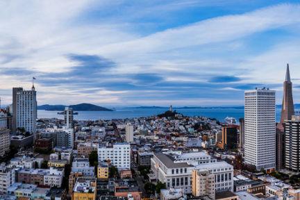 硅谷发展经验及其对雄安的启示