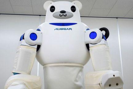 通过观看人类视频,这个机器人能提高自己的社交能力   早期实验室