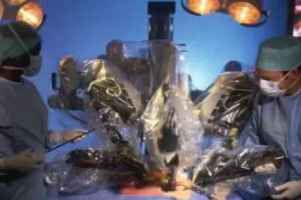 """后空翻算啥,达芬奇手术机器人告诉你什么叫""""逆天""""!"""