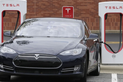 二手特斯拉官方回购价比专业平台低,新能源汽车残值究竟谁说了算?