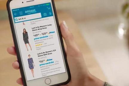 """亚马逊推出""""衣柜""""服务,能一次性试穿15件,还可免费退回"""