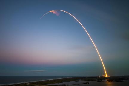 """打造增长核武器(1):承载与创造科技公司70%价值的""""网络效应"""""""