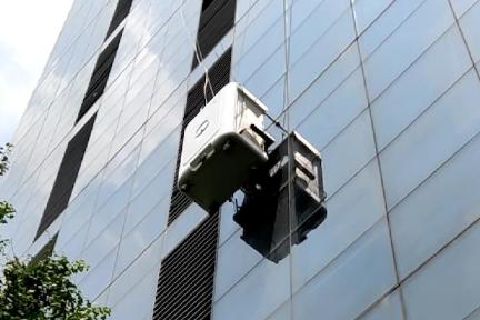 将SLAM算法应用于幕墙清洗,「映星智能」研发全自动高楼玻璃幕墙清洗机器人