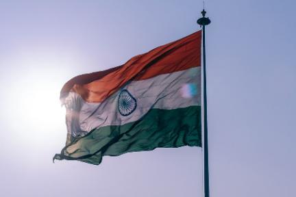 """印度手机市场混战:中国品牌""""合围""""三星,苹果折戟"""