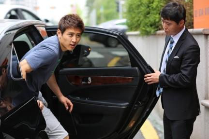 欧巴说Uber违反韩国交通法规,然后政府推出自己的高端租车服务