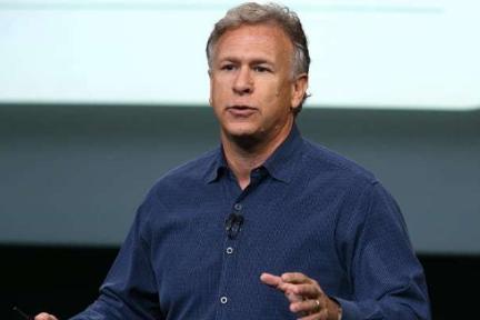 """苹果高管抨击谷歌笔记本电脑:使用谷歌便宜货的学生""""不会成功"""""""