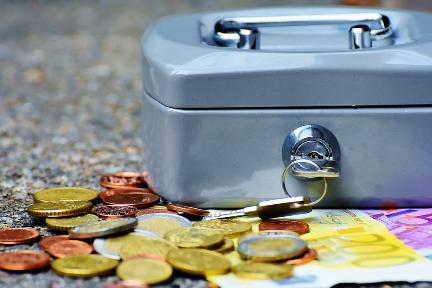 现金贷出海俄罗斯:年化利率547%,钱却不好赚
