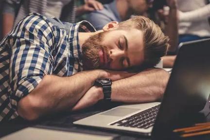 为什么科学劝你一定要睡午觉?