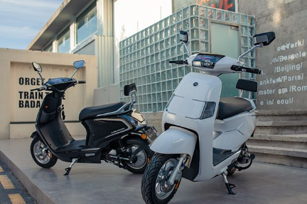 爱玛电动车再递招股书:摩拜和青桔作为大客户带来较大业绩波动
