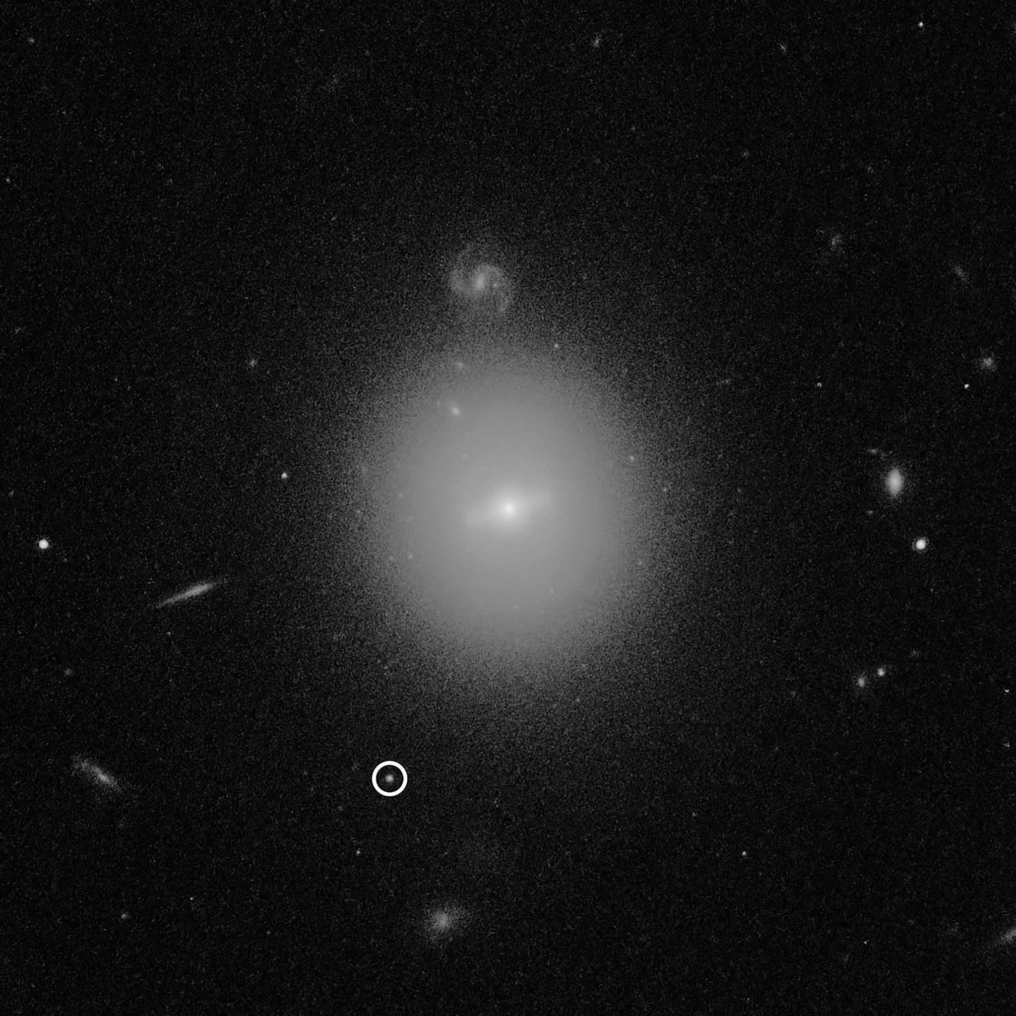 """宇宙深处,科学家发现了一个""""中介质量黑洞"""""""