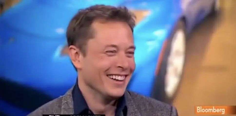 """马斯克接受采访时大笑:""""你见过比亚迪的车吗?"""" 来源:彭博社"""
