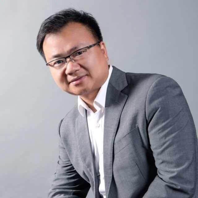 智慧云创始合伙人、战略顾问、总裁教练、财经作家、投资人