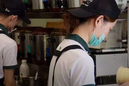 高速疯跑过后,茶饮业需要至少10000个海底捞店长