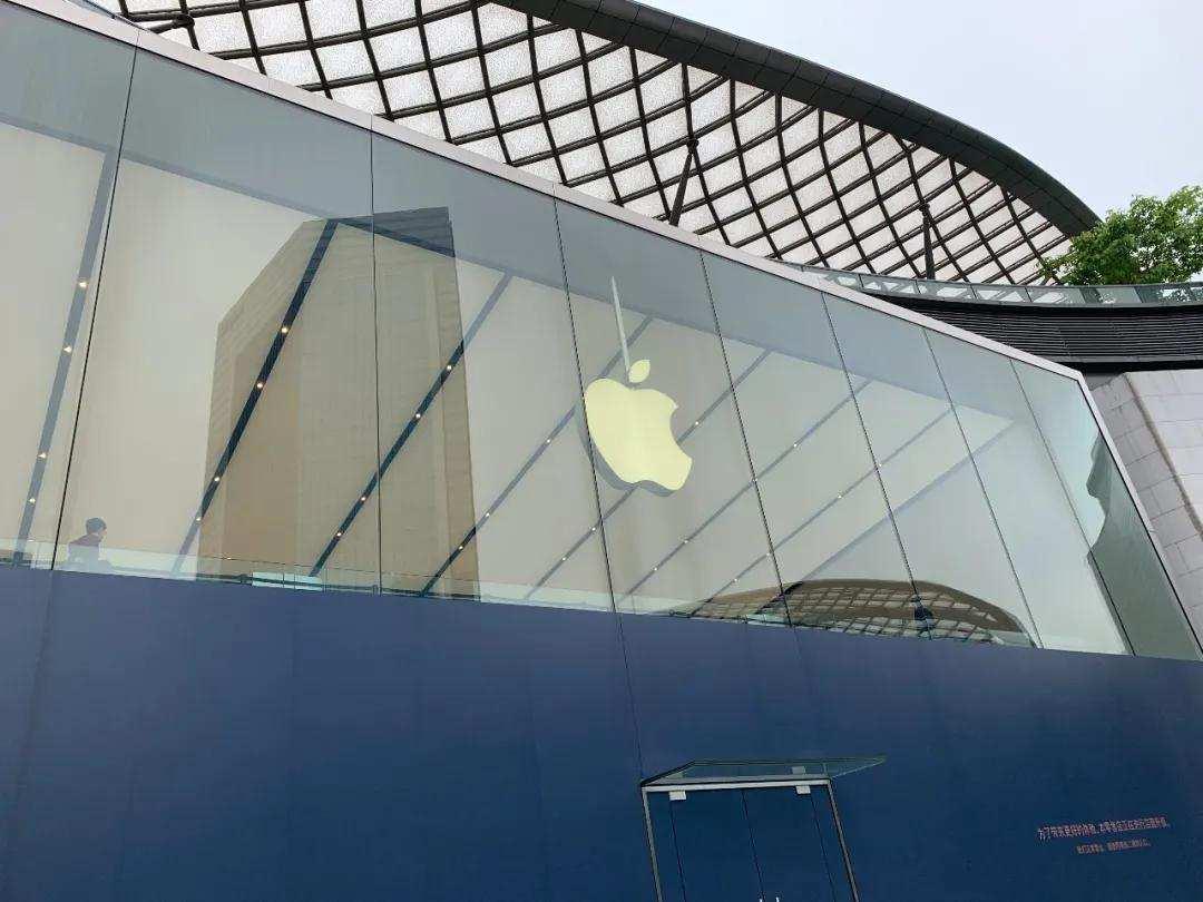 苹果大赚,但股价又到了挤泡沫的阶段了