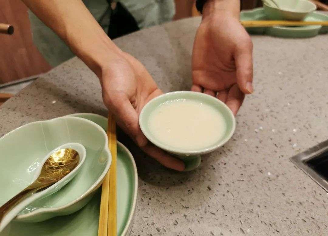 """茶饮店""""1元冰水""""火了:给顾客送惊喜,我总结出一套实用技巧"""