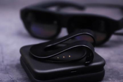 钉钉智连Nreal Light眼镜评测:用AR办公是种怎样的体验?