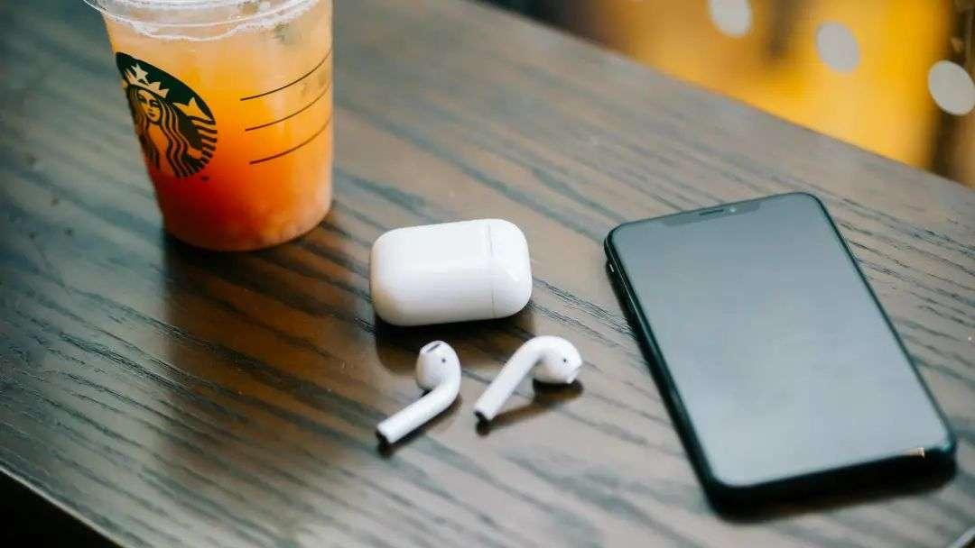 v2 3b7245fa33f0472f8d9c4937d4e1e7b4 img 000 - AirPods 最大的创新,其实是革新了耳机交互
