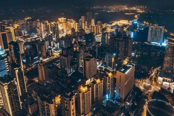 """深圳,为什么是便利店的一片""""绿洲""""?"""