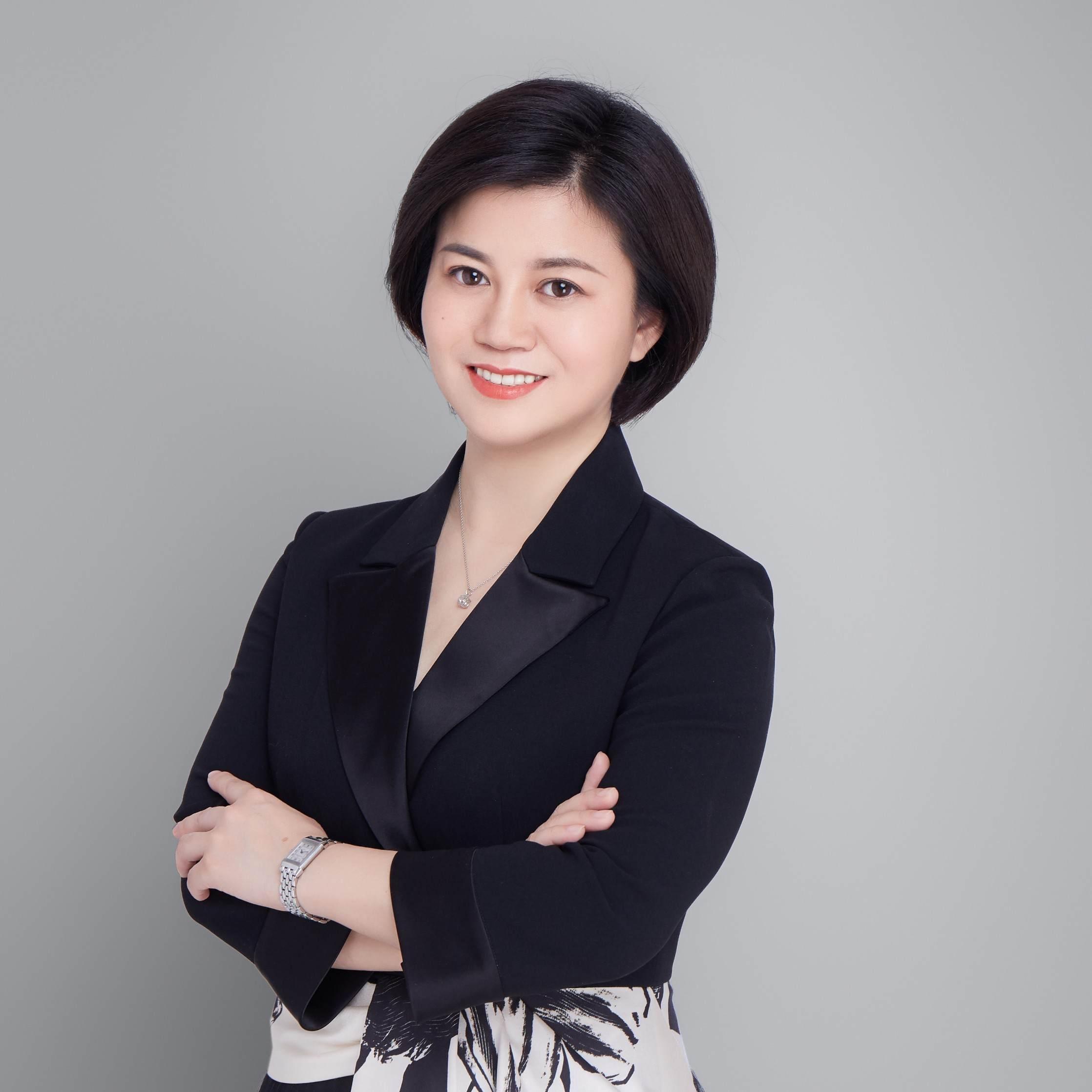 一位连续创业的职场女性,壹创新商学创始人,职场人的管理教练。