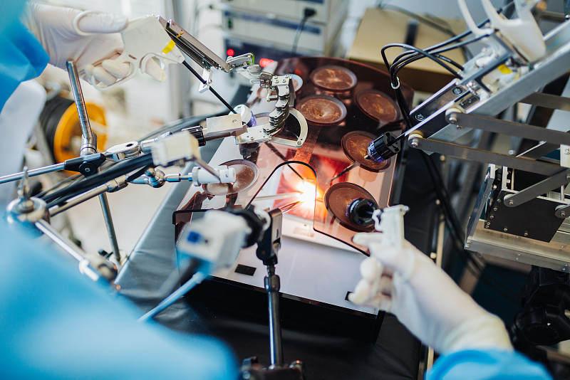 """下一个""""达芬奇""""何时出现?聚焦国产手术机器人的未来   年度行业研究"""