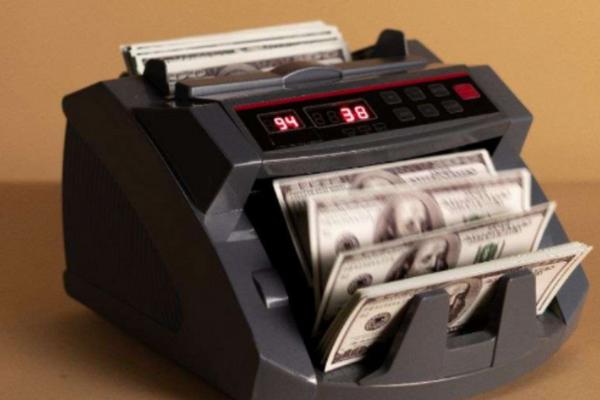 """""""量化之王""""西蒙斯宣布退休,赚钱机器是如何炼成的?"""
