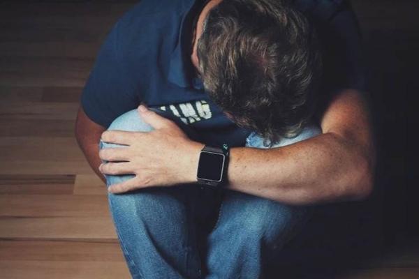 熬夜一时爽,但也会让你第二天情绪变糟,最新研究:熬夜或让你抑郁