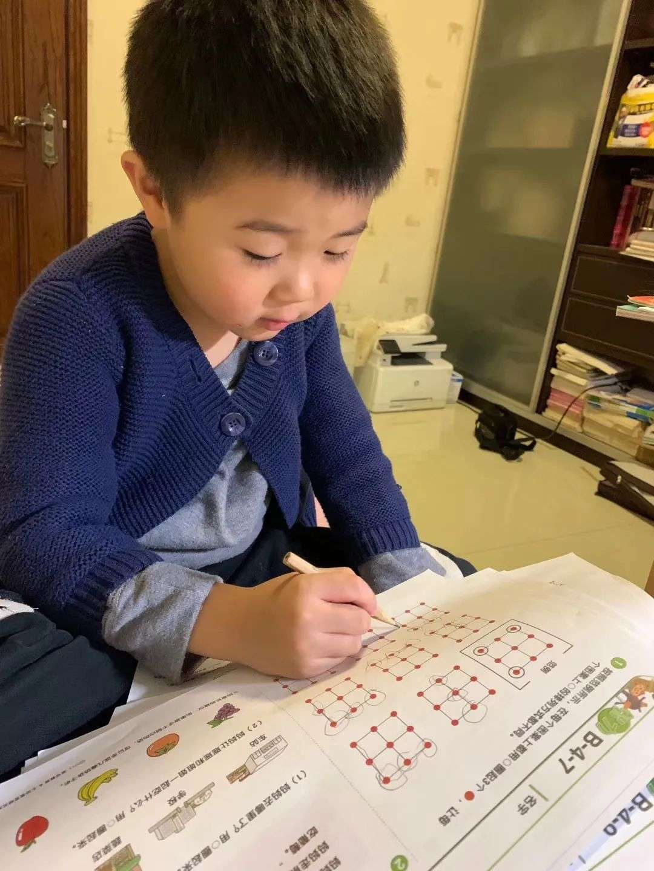 中国式养娃:我们家年入百万,却不敢生二胎插图(1)