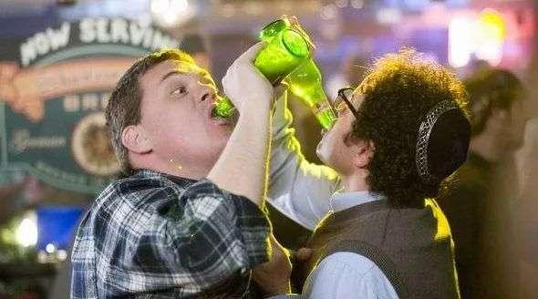 当白酒疯涨时,啤酒怎么样了?