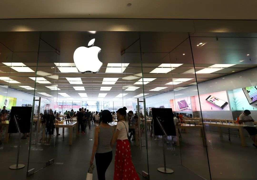 等了1年库克终于官宣:iPhone重磅功能即将上线,脸书、广告商慌了