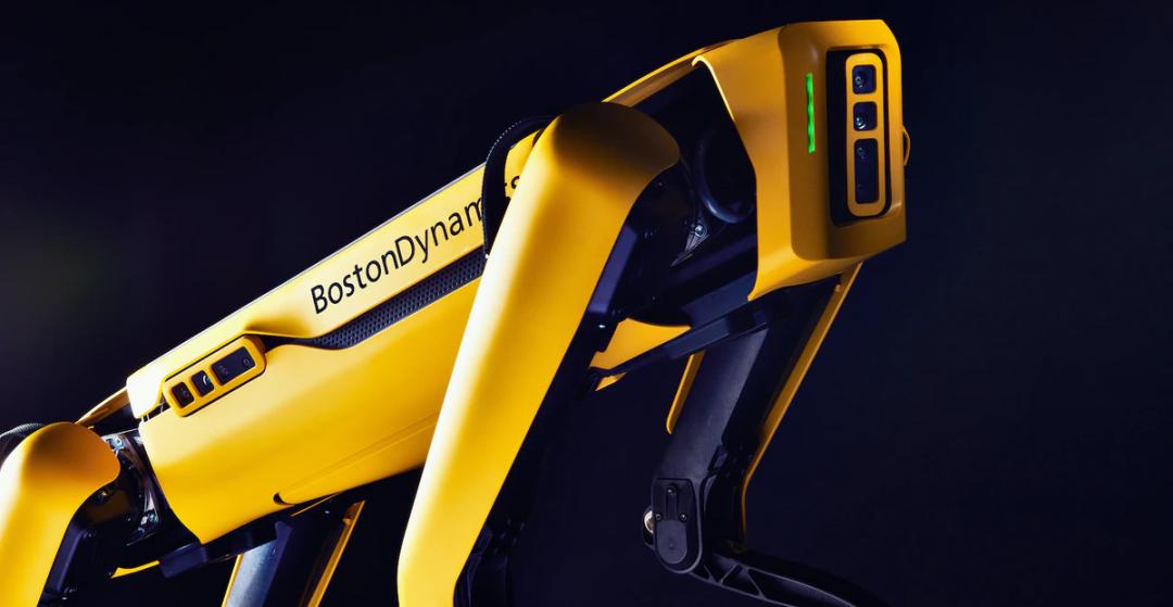 波士顿动力机器狗学会「撒尿」,拉风狗还不上街遛一遛?