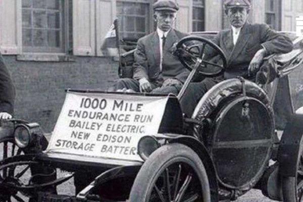 回到一百年前,保时捷、爱迪生都在造电动汽车