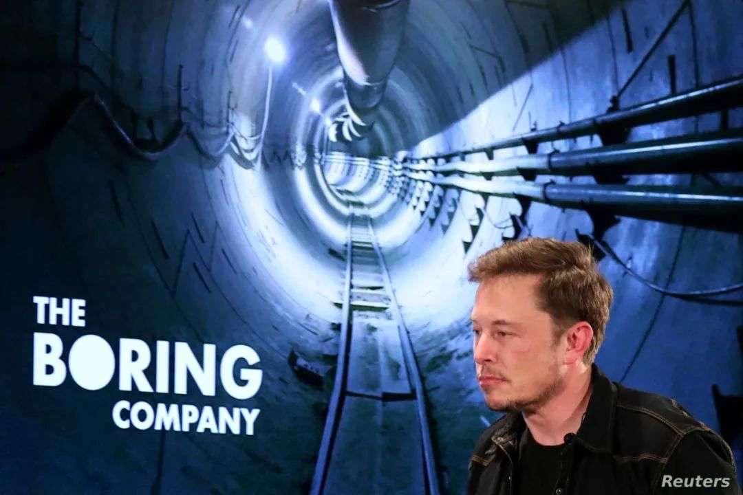 「无聊公司」造了个「无聊产品」?马斯克秀了套地下小火车