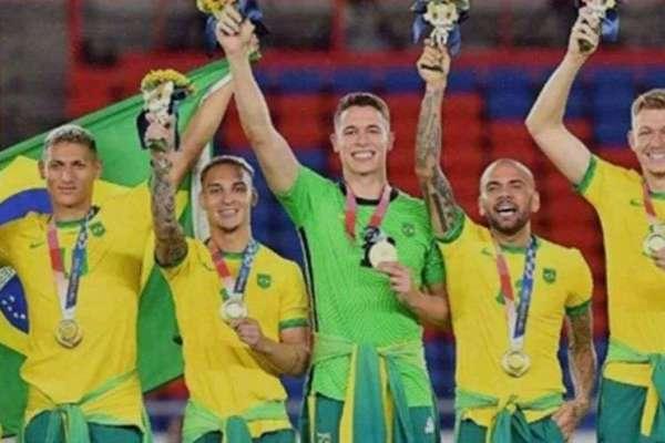 这个被巴西男足拒绝的中国品牌,一夜之间红了