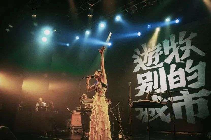 这个默默无闻的小群体,正推动国内独立音乐文化发展